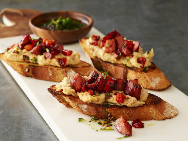 Eckrich_Sausage_White_Bean_Crostini_0413_working