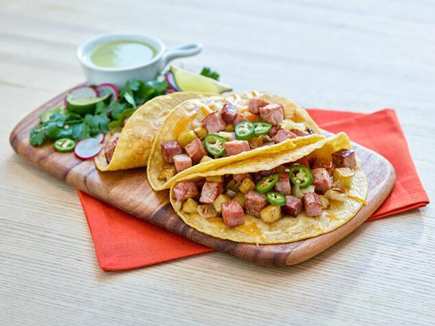 Eckrich_Recipe_633x475_California-Street-Tacos